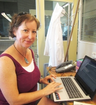 Mardi McNiel our colleague from QUT working on her Halimeda core logs
